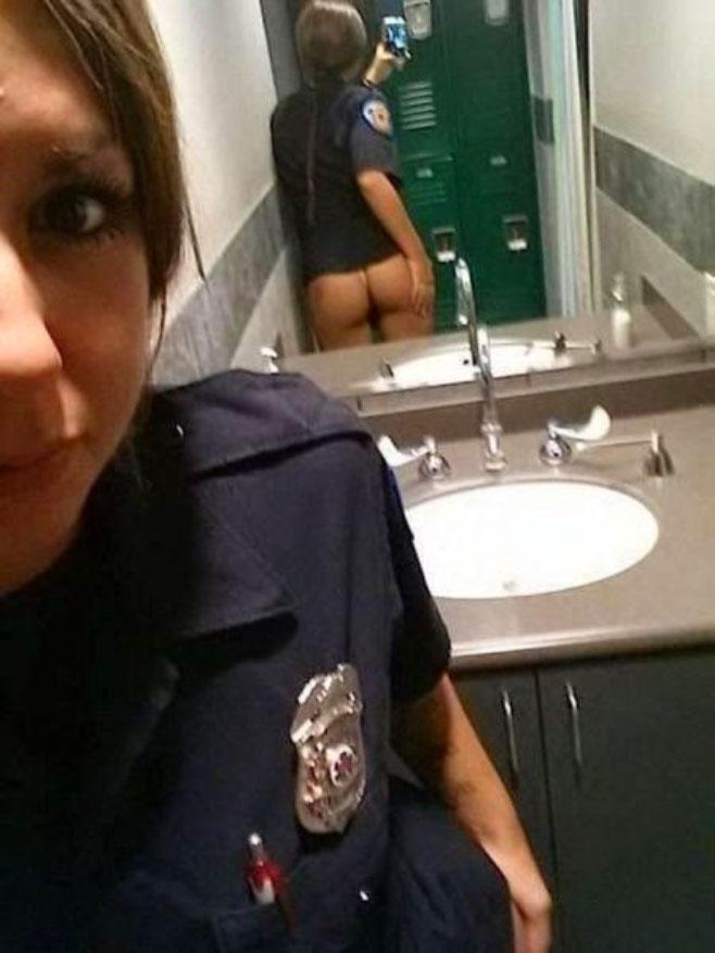 policia-culo2