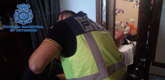 policia-desmantelando