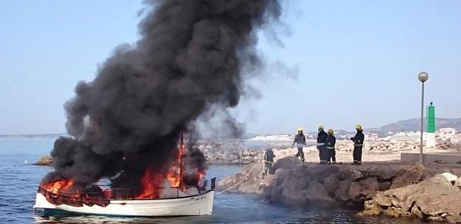 barca-fuego-molinar