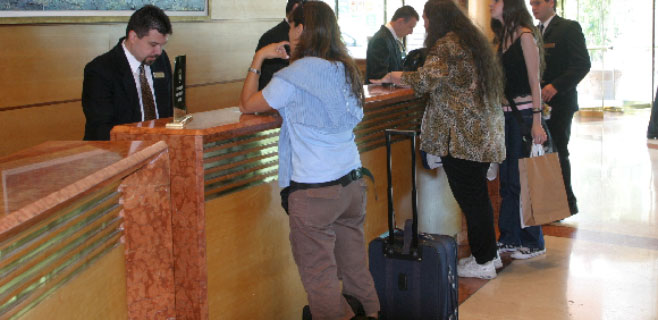 recepcion-hotel-espanoles